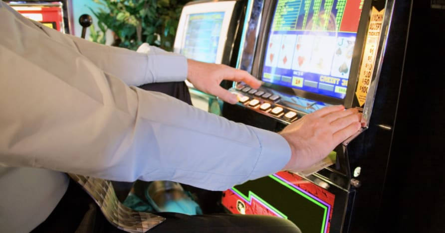 How to Play Video Poker: A Full Guide for the Beginner